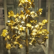 Gold leaf tree